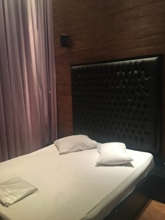 Motel Studio A cama sinistra