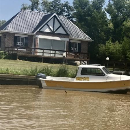 Barco e Casa Estação Fluvial de Tigre Cruzeiro Organizado