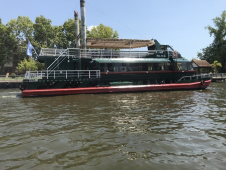 Barco Estação Fluvial de Tigre Cruzeiro Organizado